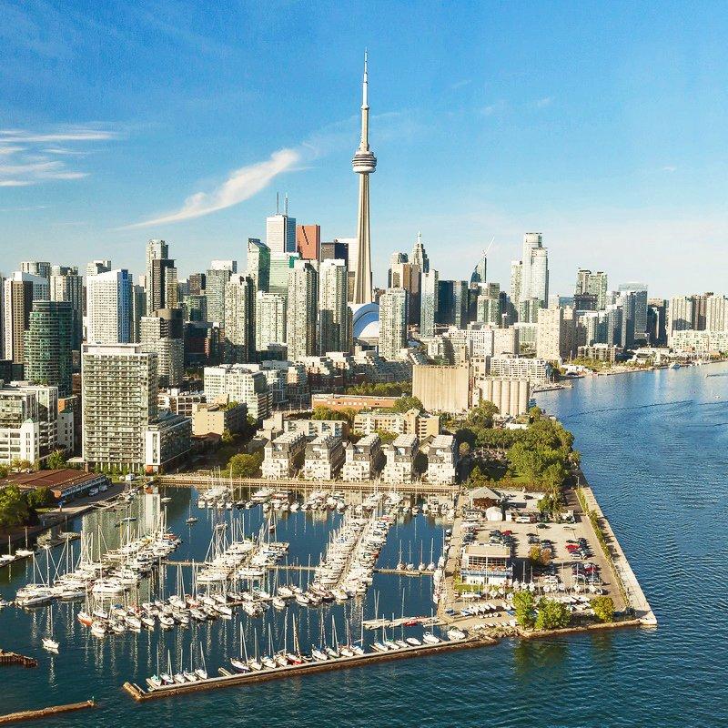 Даунтаун Торонто и озеро Онтарио
